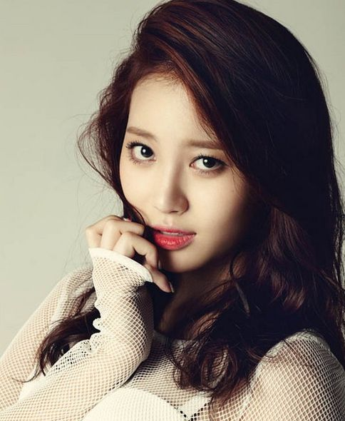 Girl's Day, Yura