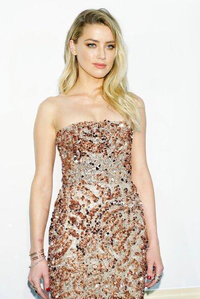 事發後,Amber Heard即向法庭申請離婚以及一項家暴限制令。不久,媒體的報道出