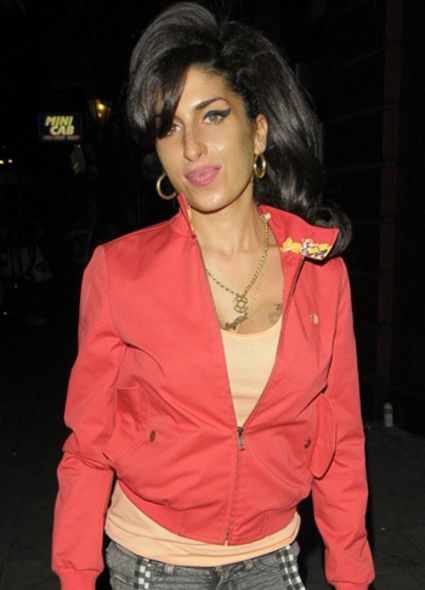Amy Winehouse 宣布停唱一年