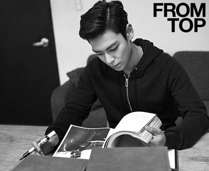 《1st PICTORIAL RECORDS FROM TOP》是他的首本寫真集。