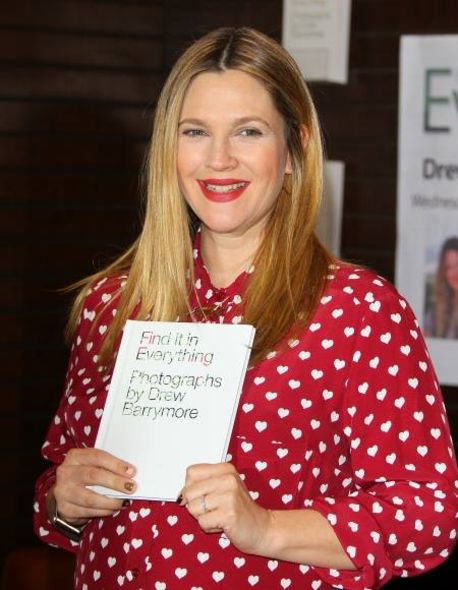 Drew Barrymore 年頭出版了她的最新攝影書:Find It In Everything