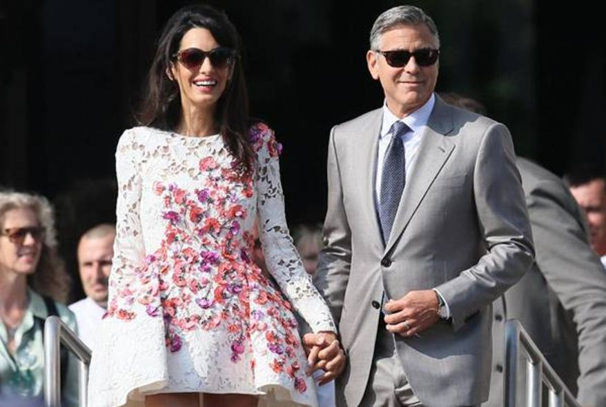 Amal Alamuddin 另一天穿上的 Couture Giambattista Valli 裙子
