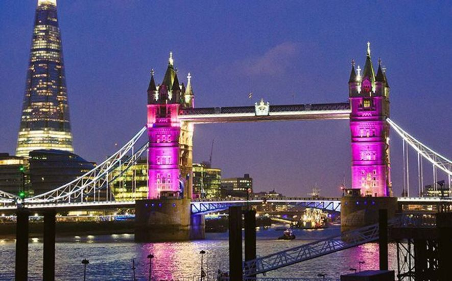 晚上的Tower Bridge