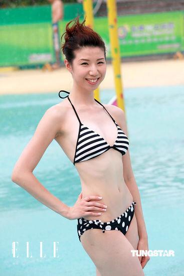 [img]http://www.elle.com.hk/var/ellehk/storage/images/celebrity/news/miss-hong-kong-filming-at-guangzhou-chime-long-water-park/2%E8%99%9F%E3%80%80%E6%9E%97%E6%BD%94%E7%91%9C-esther/1279335-1-chi-HK/2%E8%99%9F%E3%80%80%E6%9E%97%E6%BD%94%E7%91%9C-Esther_reference.jpg[/img]