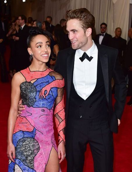 Robert Pattinson 與女友 FKA Twigs