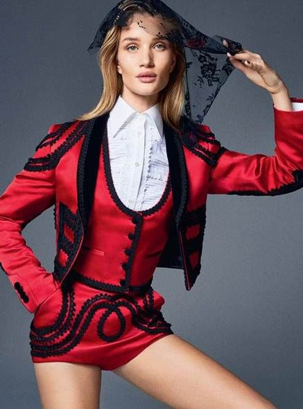 內頁照片Rosie Huntington-Whiteley