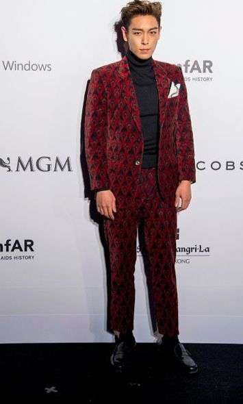 BIGBANG 成員T O P in Marc Jacobs