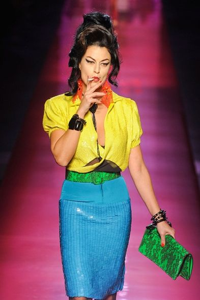 Haute Couture:Amy Winehouse 父親不滿 JPG 向愛女致敬作