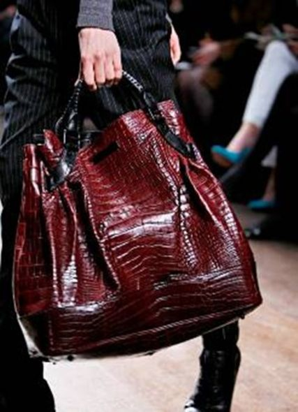 Burberry Christopher Bailey WOOLF bag fashion accessories