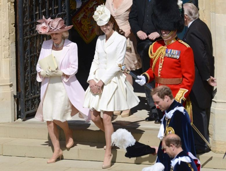 Best Dressed:Kate Middleton 的白色 McQueen 裙裝
