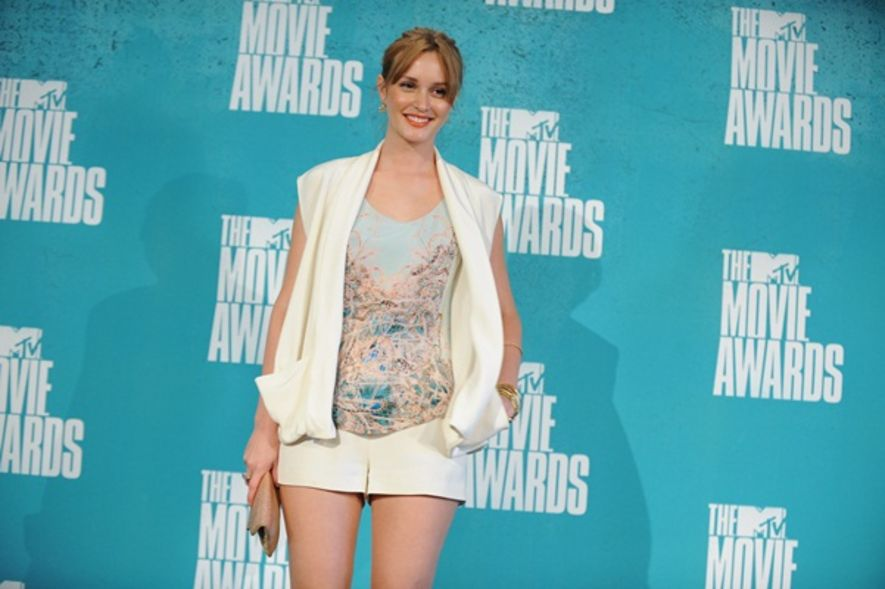 2012 MTV Movie Awards:Leighton Meester「清爽短褲 look」踏紅地毯