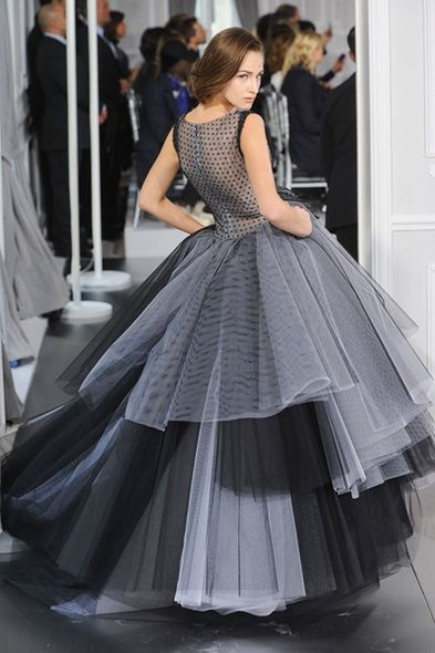 Haute Couture 時裝周:Christian Dior 優雅韻味