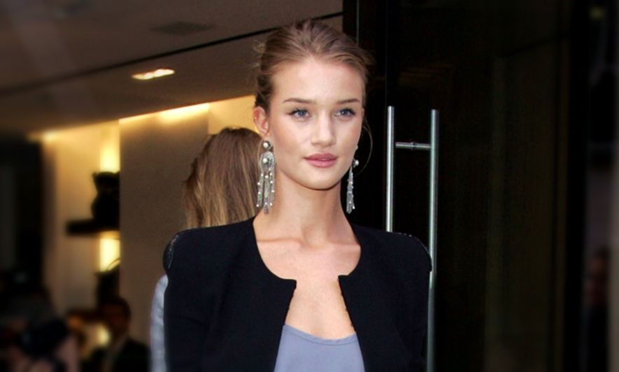 Rosie Huntington-Whiteley﹕模特兒不易做!