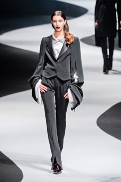 Viktor & Rolf - 2012-13 FW Ready-To-Wear