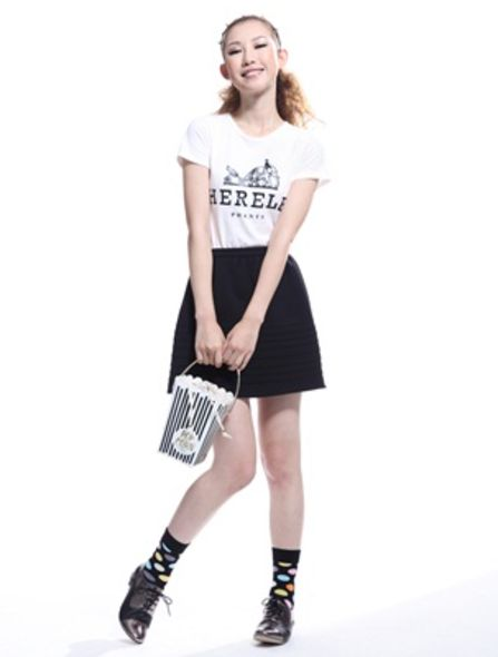 Way to Wear a Graphic Tee , Styling Tips