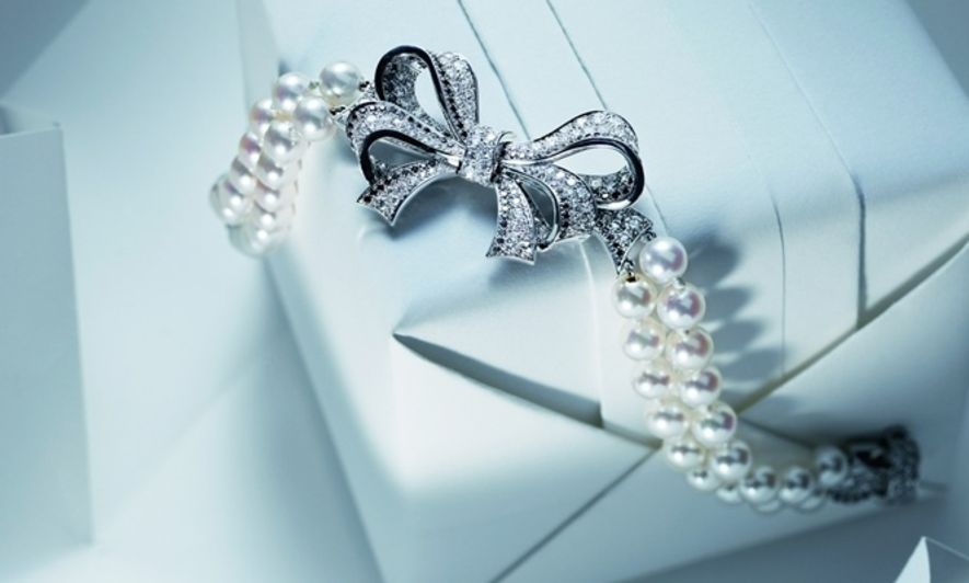 Chanel Boucles De Camelia, pearl jewelry
