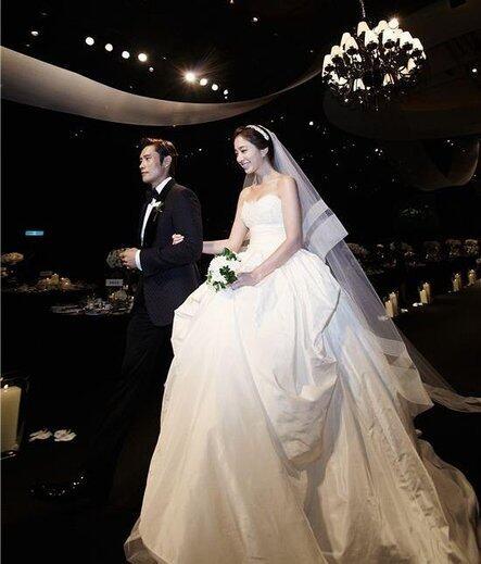 Wedding Korean Star: ĸ�紀婚禮!李敏貞穿Marchesa婚紗出嫁 / Celeb Wedding / Wedding ǵ�婚籌備、婚紗晚裝